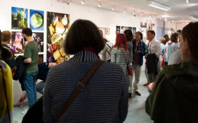 Fotoausstellung 14x2m – in verrückten Zeiten neue Wege gehen